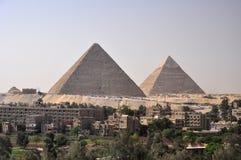 巨大金字塔cheops在吉萨棉 免版税库存照片