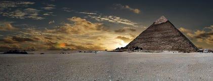 cheopspyramid royaltyfri foto