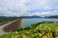 Cheow Lan Dam (diga di Ratchaprapa) Fotografia Stock Libera da Diritti