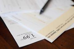 Cheque de la tarjeta de crédito Imágenes de archivo libres de regalías