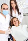 Chequeo de los dientes del dentista Fotografía de archivo