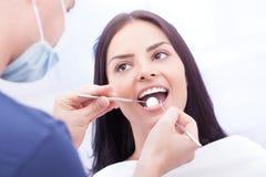 Chequeo dental Imágenes de archivo libres de regalías