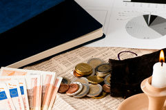 Cherchez un meilleur investissement de marché boursier image stock