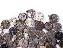 Cherkassy, Ucrania - 27 de marzo de 2018 Los detalles antiguos de los relojes de bolsillo se hacen en la Unión Soviética en un  foto de archivo libre de regalías