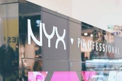 """CHERKASY, de OEKRAÏNE †""""14 Oktober, 2018: De decoratieve professionele schoonheidsmiddelen van NYX op vertoning stock foto"""