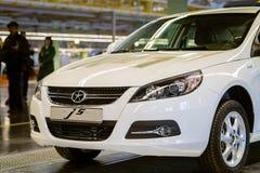 Cherkasy, Ucrânia - 17 de junho de 2013: Tipo chinês novo do carro Imagem de Stock