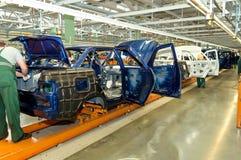 Cherkasy Ukraina, Maj, - 29, 2012: Żelazne samochód struktury przy fabryką dla produkci samochody osobowi Fotografia Stock