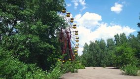 Chernóbil Pripyat Ferris Wheel en parque de atracciones almacen de video