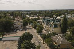 Chernigov, de Oekraïne 15 augustus, 2017 Kleine gebouwen en straten Mening vanaf de hoge bovenkant stock foto