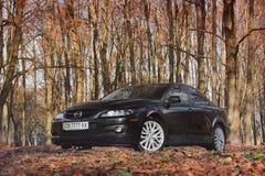 Chernihiv, Ucrânia - 10 de novembro de 2018: Mazda 6 PM no autum fotos de stock