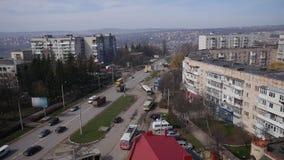 2018 04 06 - Chernivtsi, Ουκρανία Πολλά αυτοκίνητα στο δρόμο με έντονη κίνηση της πόλης, ηλιόλουστη ημέρα, χρονικό σφάλμα φιλμ μικρού μήκους