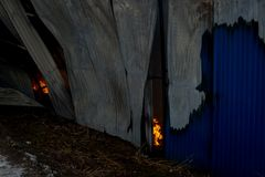 Chernivtsi/Ukraine - 03/19/2018: Feuer-Ende Flamme im Gebäude Stockbild