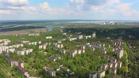 chernobyl Pripyat Silhouette d'homme se recroquevillant d'affaires hélicoptère banque de vidéos