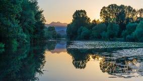 Chernoyevichs flod på solnedgången Montenegro Arkivbild