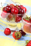 Cherries and strawberries Royalty Free Stock Photos