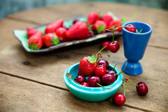 Cherries and strawberries Royalty Free Stock Image