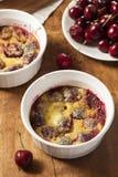 Cherry Cobbler Cake organique Photos stock