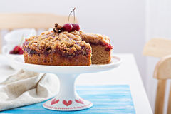 Cherry crumble coffee cake with cinnamon. And streusel Stock Photography