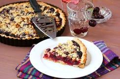 Cherry crumble pie Stock Photography