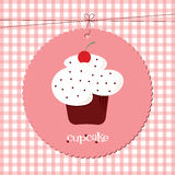 Cherry Cupcake con asperja ilustración del vector