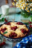 Cherry Filled Buns doux Style rustique Photos stock