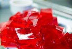 Cherry Gelatin Dessert vermelho caseiro foto de stock royalty free