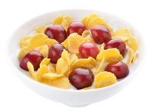 Cherry konserverar flakesyoghurt fotografering för bildbyråer