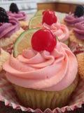 Cherry Limeade Cupcakes Fotografering för Bildbyråer