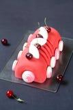 Cherry Lychee et pistache Yule Log Cake photos libres de droits