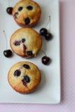 Cherry Muffins Fotografie Stock Libere da Diritti