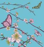 Cherry Peach Blossom Tree Flowers und Schmetterlinge Lizenzfreies Stockbild