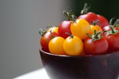 Cherry Tomatoes in a Bowl Royalty Free Stock Photos