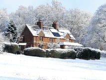 Cherry Tree Dell, Chorleywood-Common, Chorleywood im Winterschnee stockbilder