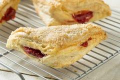Cherry Turnover Pastries caseiro foto de stock