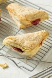 Cherry Turnover Pastries caseiro imagens de stock
