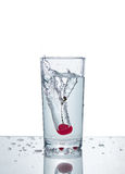 Cherry With Water Splash Imagens de Stock Royalty Free