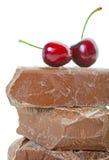 Cherrychokladen stor bit Royaltyfri Bild