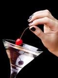 Cherryexponeringsglas martini Fotografering för Bildbyråer