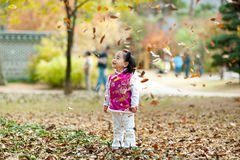 Chers enfants habillés dans le Chinois photos stock
