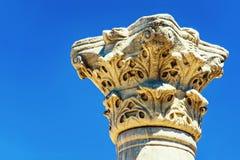 Chersonese古希腊columnus的资本反对蓝天的 塞瓦斯托波尔 乌克兰 免版税库存照片