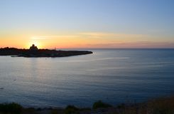 Chersonese Взгляд собора ` s St Владимира через залив на заходе солнца стоковое фото