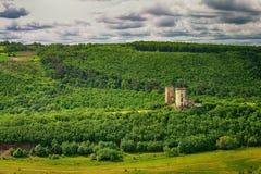 Chervonohorod城堡废墟春天视图  图库摄影