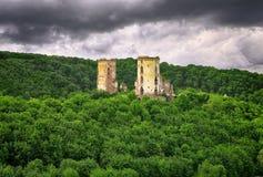 Chervonohorod城堡废墟春天视图  库存照片