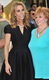 Cheryl Hines &母亲 图库摄影