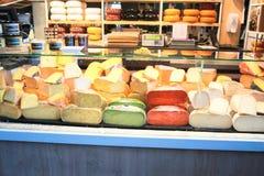 Chese商店在市场霍尔上 图库摄影