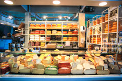 Chese sklep przy Rotterdam rynkiem Hall Obraz Stock