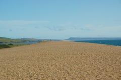 Chesil strand i Dorset, UK Arkivfoto