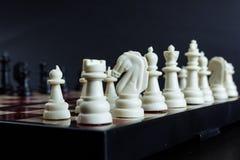 chessmen Figure noire et blanche photographie stock libre de droits