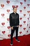 Chester Bennington no tapete vermelho. imagem de stock