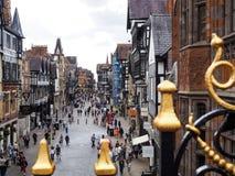 CHESTER CHESHIRE /UK - SEPTEMBER 16: Folk som shoppar i Chester Arkivfoto